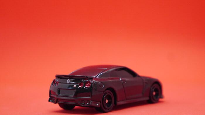 トミカ4D GT-R (黒)